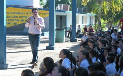 """""""Hay que hacer de la escuela la mejor opción para niños y jóvenes"""": JAML."""