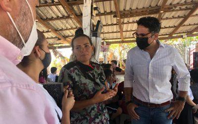 El secretario JAM visita a niñas y niños en el centro de asesoría en la colonia Bicentenario; están matriculados en escuelas oficiales