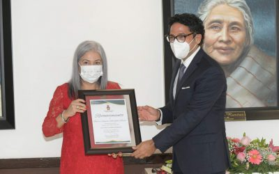 Recibe la Dra. Beatriz Rodríguez el Premio al mérito social Agustina Ramírez 2021