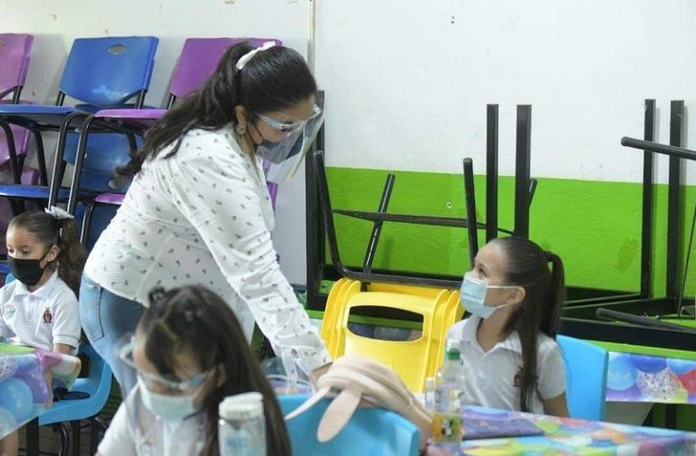 1 mil 098 escuelas se sumarán este lunes a la presencialidad en Sinaloa